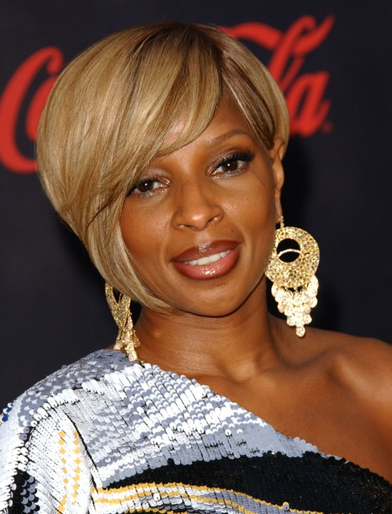Mary J Blige Short Asymmetrical Edgy Bob Hairstyle For Black Women Hairstyles Weekly