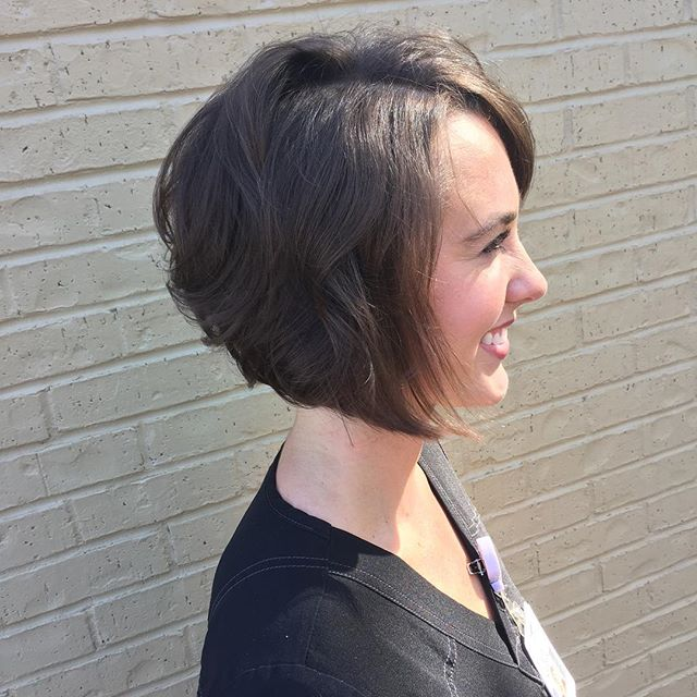 22 Popular Angled Bob Haircuts You'll Want To Copy