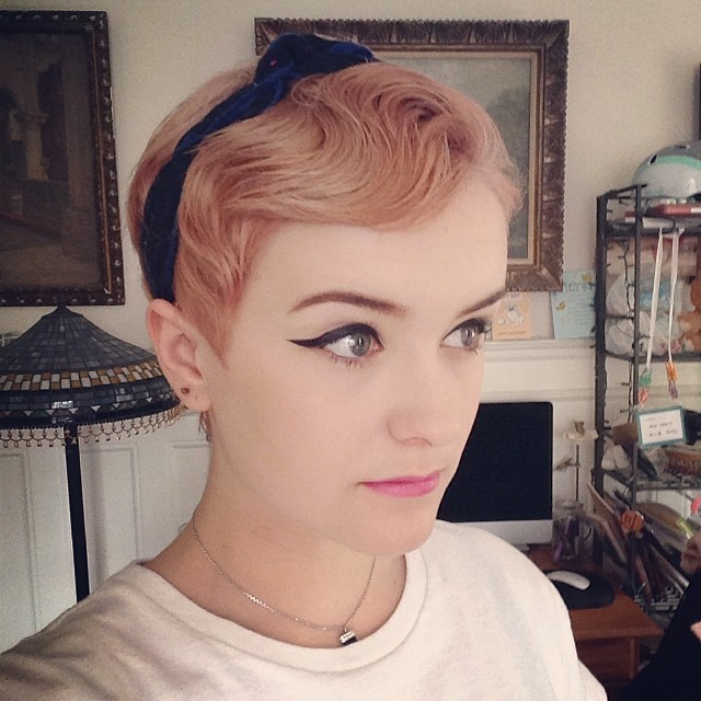hair with Vintage pixie