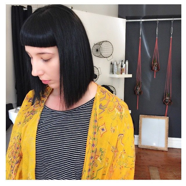 short straight blunt black bob haircut with blunt bangs