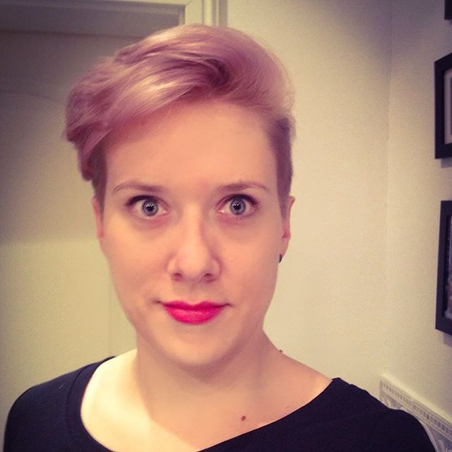 simple easy pink short pixie cut for fine thin hair for long faces