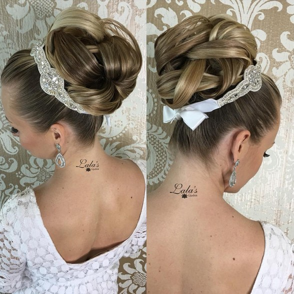 17 Gorgeous Wedding Updos For Brides In 2019: 35 Romantic Wedding Updos For Medium Hair