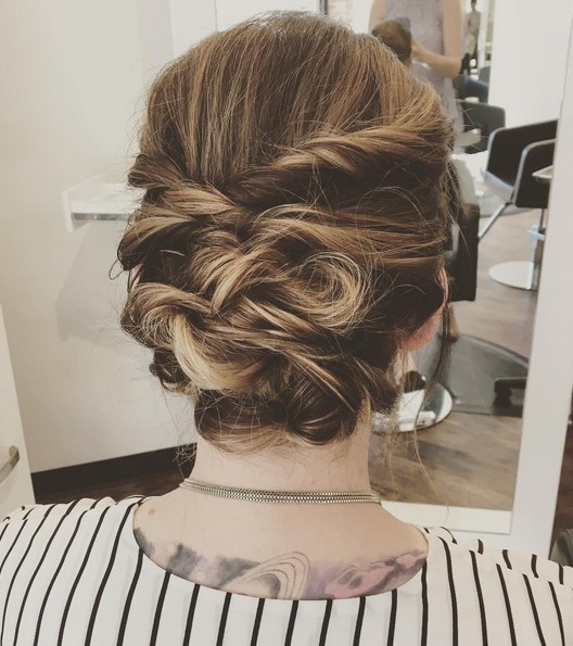 25 chic braided updos for medium length hair hairstyles weekly messy updo using twists and topsy tails combined solutioingenieria Image collections