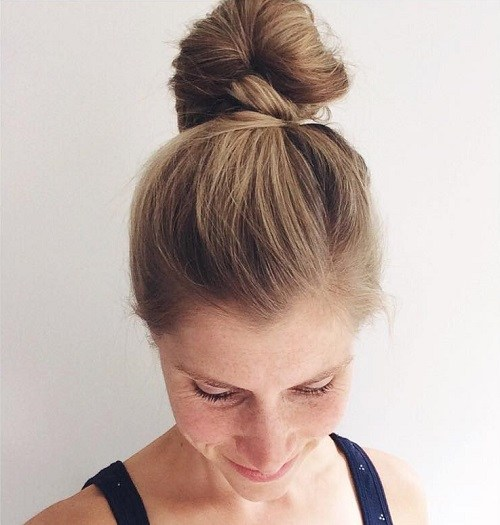 7 Cute Simple Easy Top Bun Updos You Shouldn T Miss