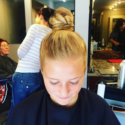 Blonde Top Bun