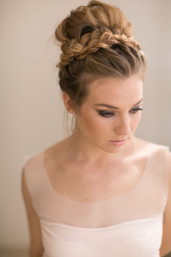12 Best Wedding Hairstyles For All Types Of Weddings