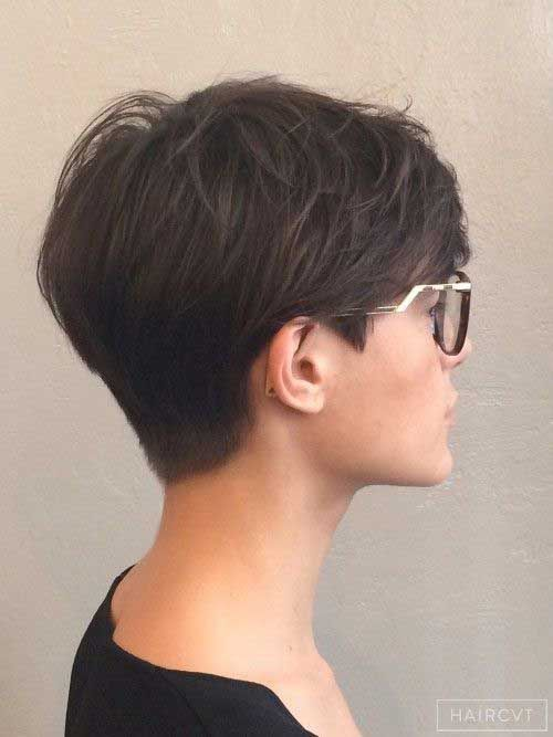 15 adorable short haircuts for women the chic pixie cuts. Black Bedroom Furniture Sets. Home Design Ideas