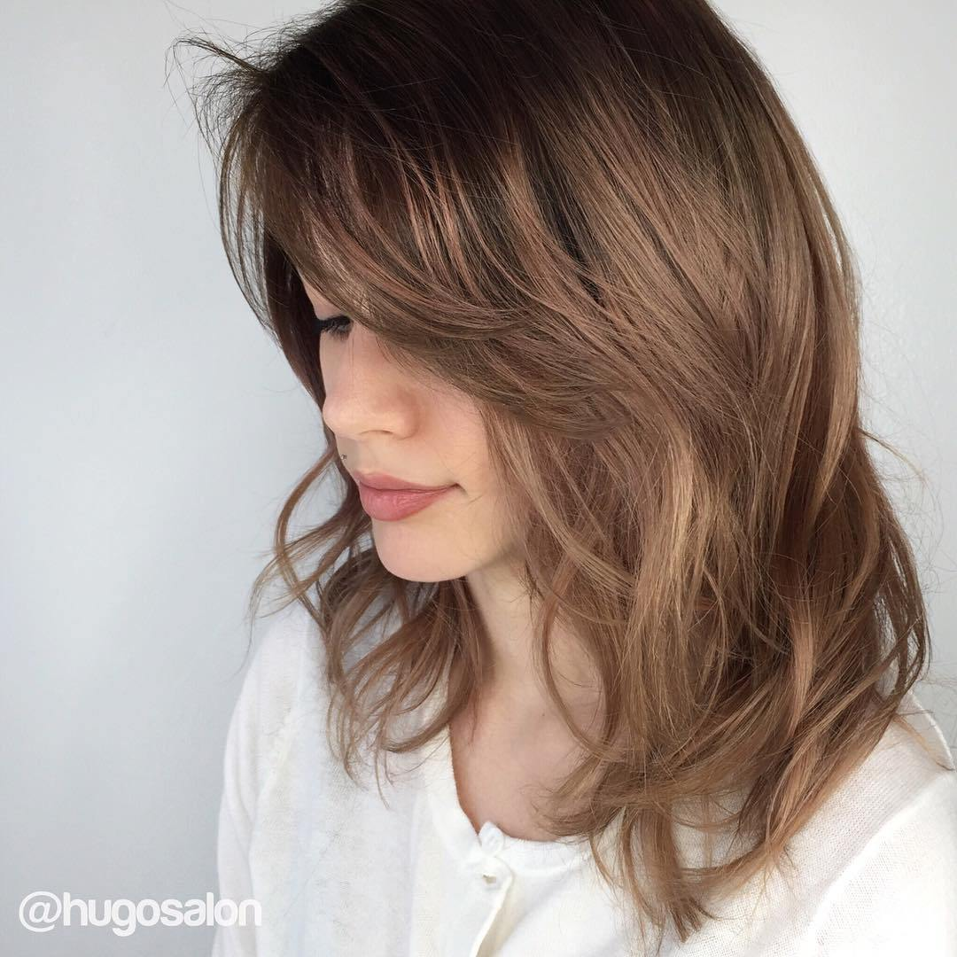 35 Best Medium Length Hairstyles 2019 - Easy Shoulder ...