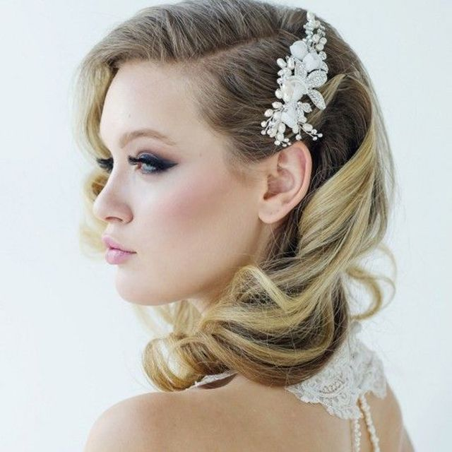 30 Stunning Wedding Hairstyles Ideas In 2019: 35 Romantic Wedding Updos For Medium Hair