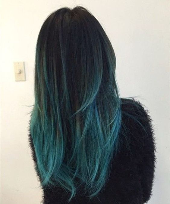 How to Rock the Blue Hair Trend