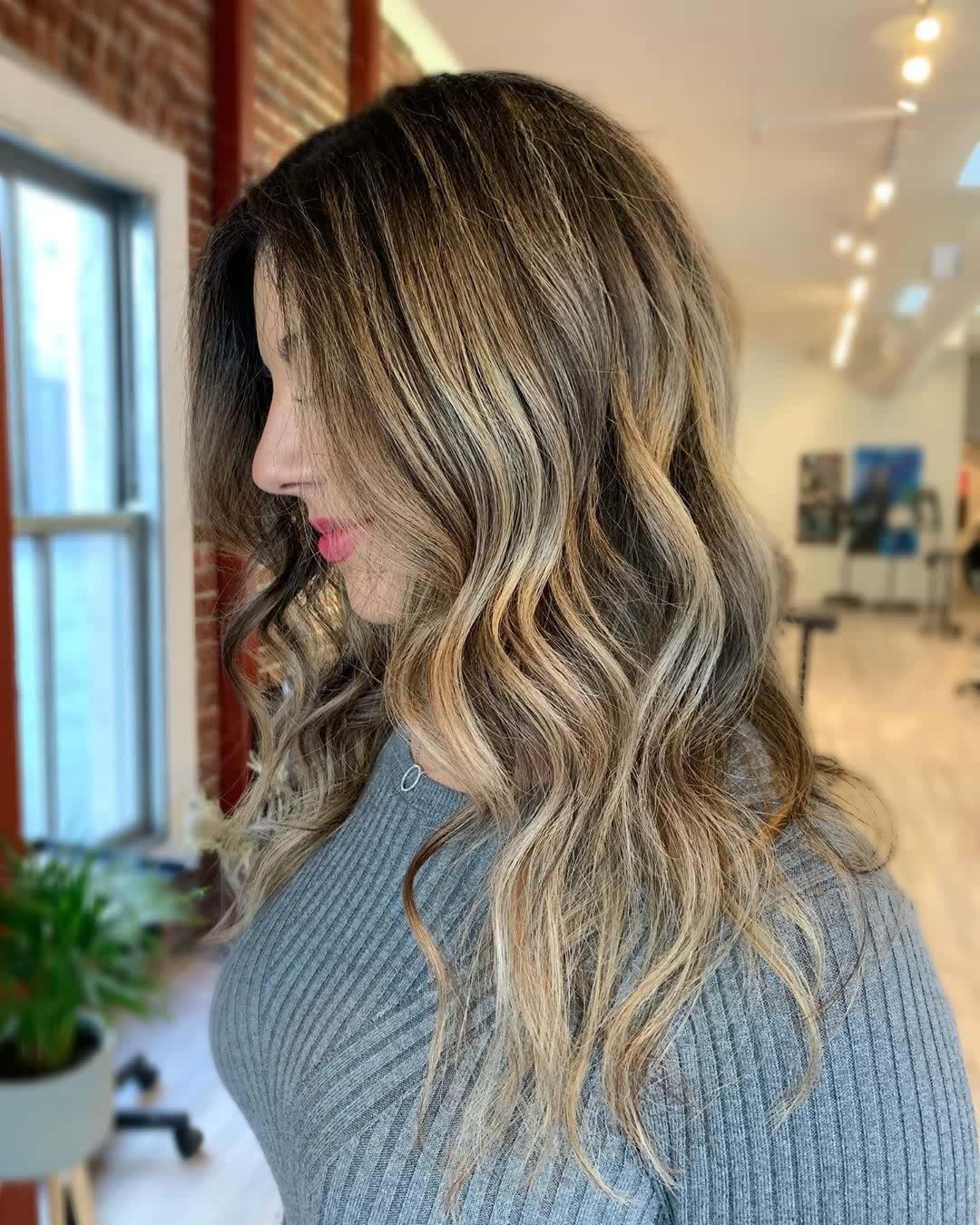 10 Beach Wave Hair & Balayage Ideas With Icy Charm