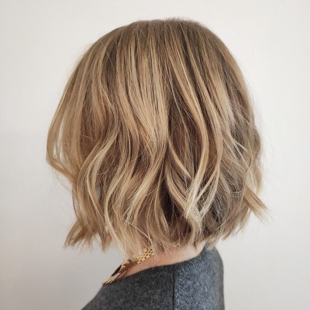 wavy bob hairstyle for short hair